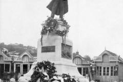 18 Monumentul eroului General Stan Poetaș (1)