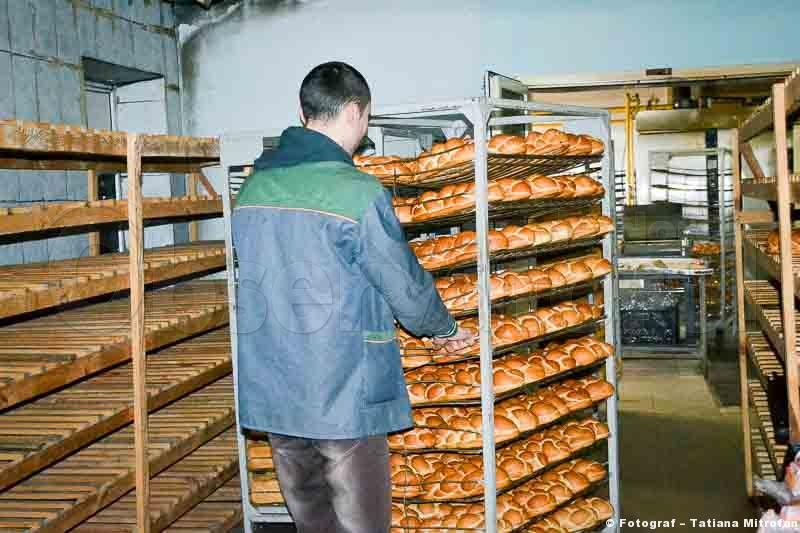 Pâinea proaspătă pleacă spre consumatori