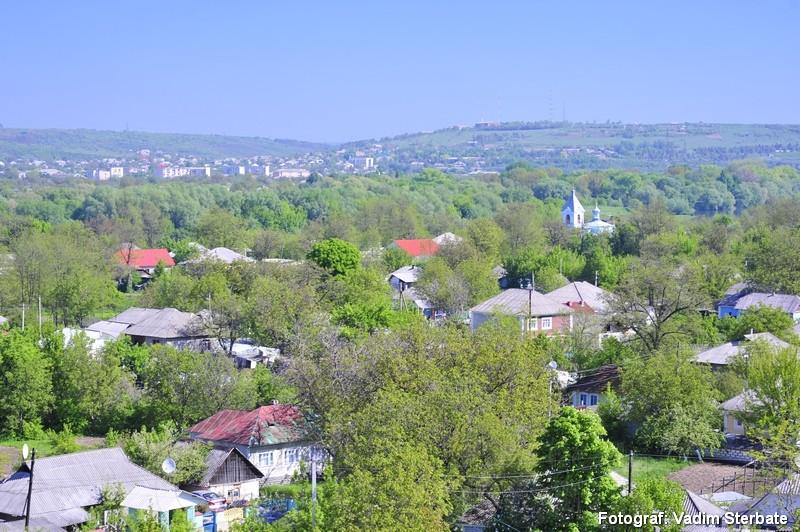 O priveliște a satului Cosăuți...