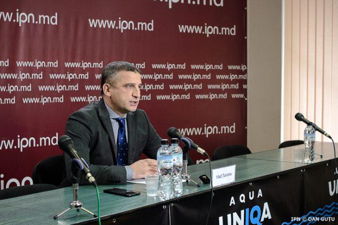 Întrebat dacă se va alătura Partidului Unității Naționale, condus de Octavian Țîcu, Vlad Țurcanu a declarat că încă nu a luat o decizie definitivă.