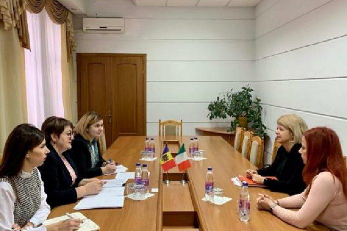 Ținând cont de numărul mare de cetățeni moldoveni care lucrează pe teritoriul Republicii Italiene și necesitatea stabilirii unui cadru de garanţii sociale, este importantă semnarea Acordului de securitate socială dintre Republica Moldova şi Republica Italiană