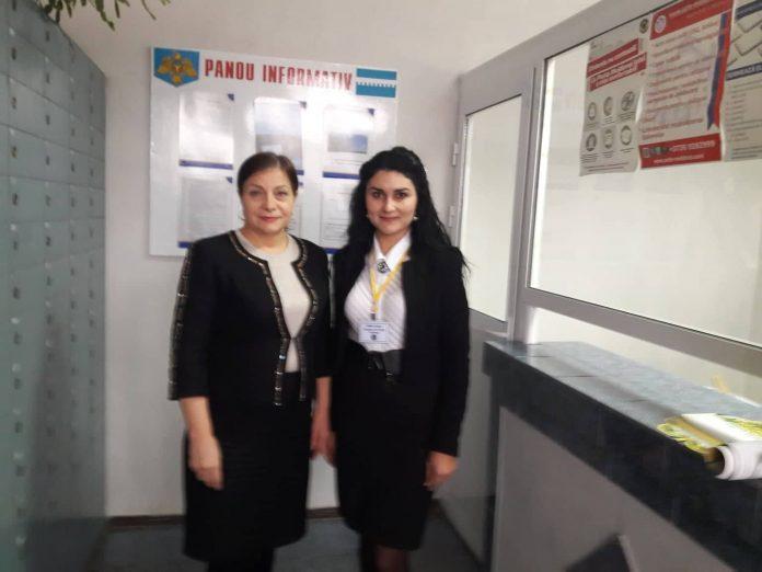 """Directoarea Filialei Soroca a ÎS """"Poșta Moldovei"""", Polina Cojocaru și operatoarea Ina Stati ne-au relatat că astfel de câștiguri mari la Soroca nu au mai fost înregistrate."""