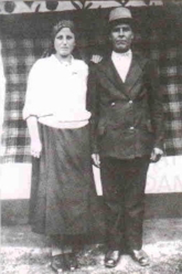 Părinții Ana și Ilie Cimpoi, 1927. Arhiva privată Mihai Cimpoi.